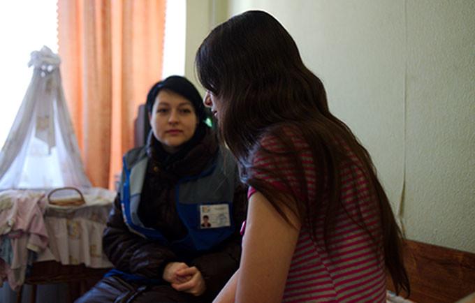 UNFPA mobile teams have reached thousands of survivors of gender-based violence in Ukraine. © UNFPA/Maks Levin